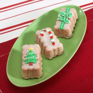 Nordic Ware 8-Cup Holiday Mini Loaf Pan