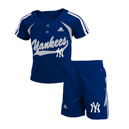 separation shoes 66269 f26cb adidas New York Yankees Jersey & Shorts Set - Toddler