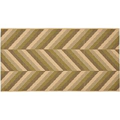 Safavieh Courtyard Chevron Indoor Outdoor Patio Rug - 2'7'' x 5'