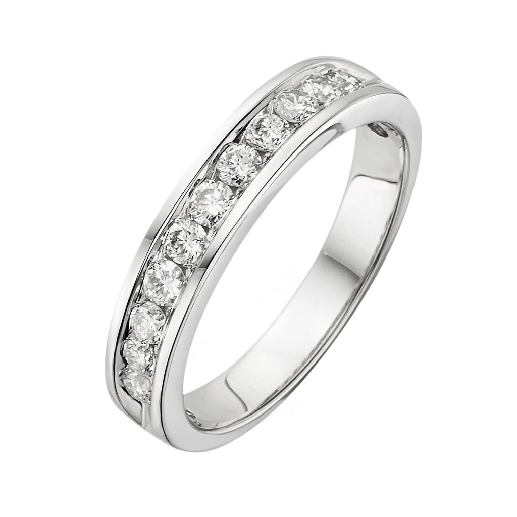 18k White Gold 1/2-ct. T.W. IGL Certified Colorless Diamond Wedding Ring