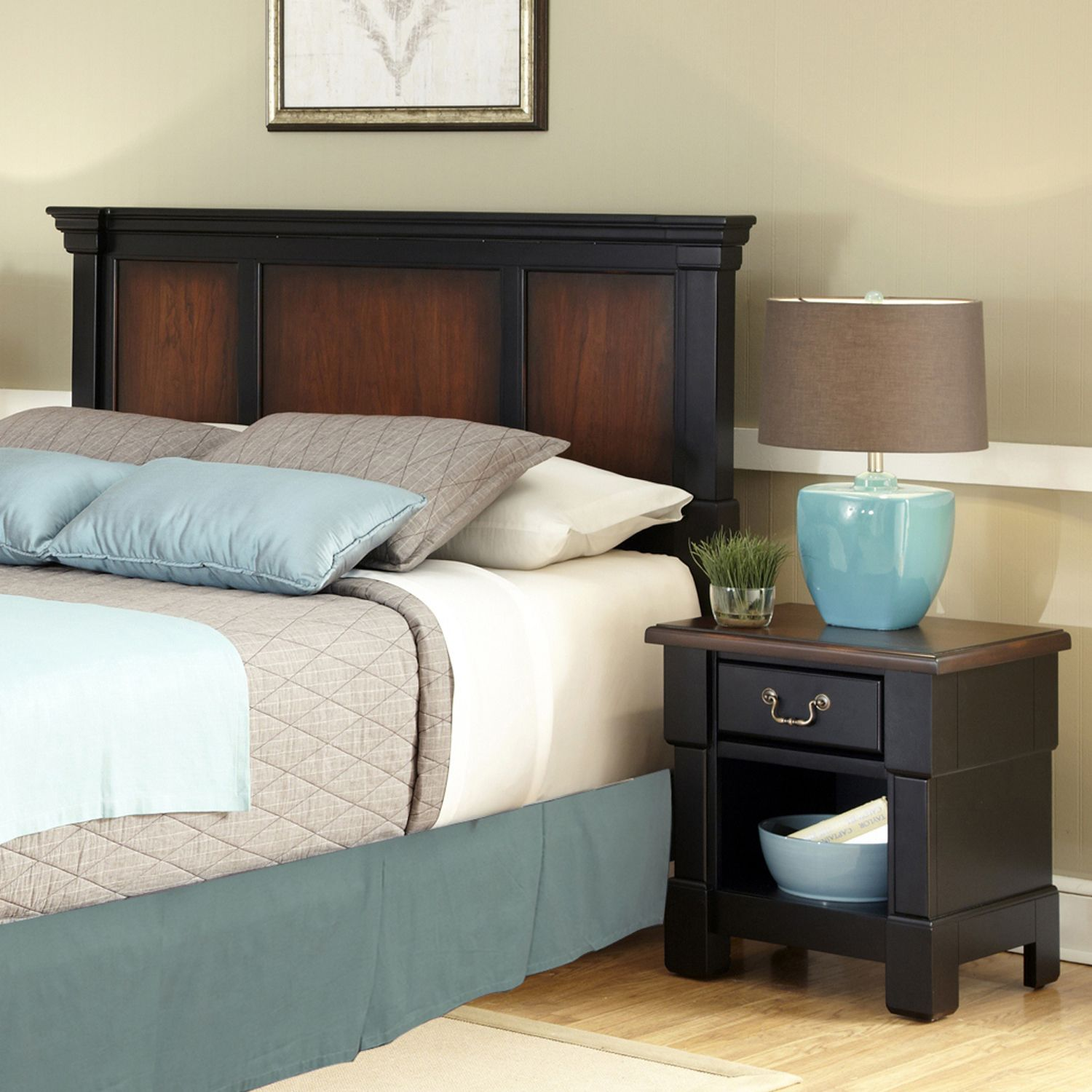 Lovely Queen Full Headboard u Nightstand Set