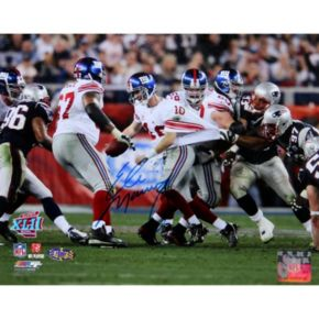 Steiner Sports Eli Manning Super Bowl XLII Escaping Tackle 8'' x 10'' Signed Photo