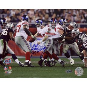Steiner Sports Eli Manning Super Bowl XLII Escaping Tackle 16'' x 20'' Signed Photo