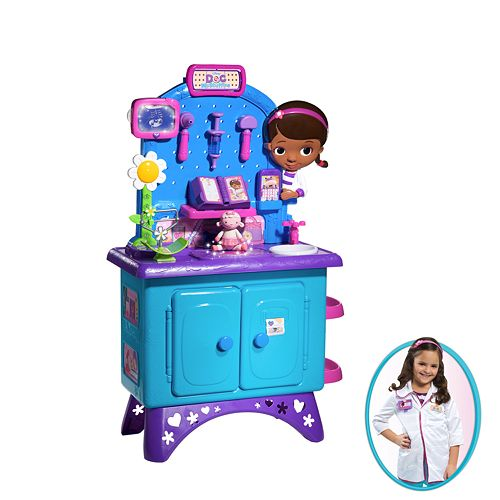 Disney Doc McStuffins Checkup Center & Dress-up Outfit Gift Set