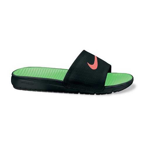 633bbe93df6364 Nike Benassi Solarsoft Soccer Slide Sandals - Men