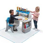 Step2 Deluxe Art Desk with Splat Mat
