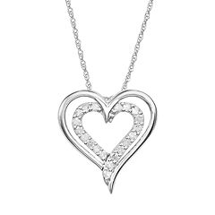 10k White Gold 1/4 ctT.W. Diamond Heart Pendant
