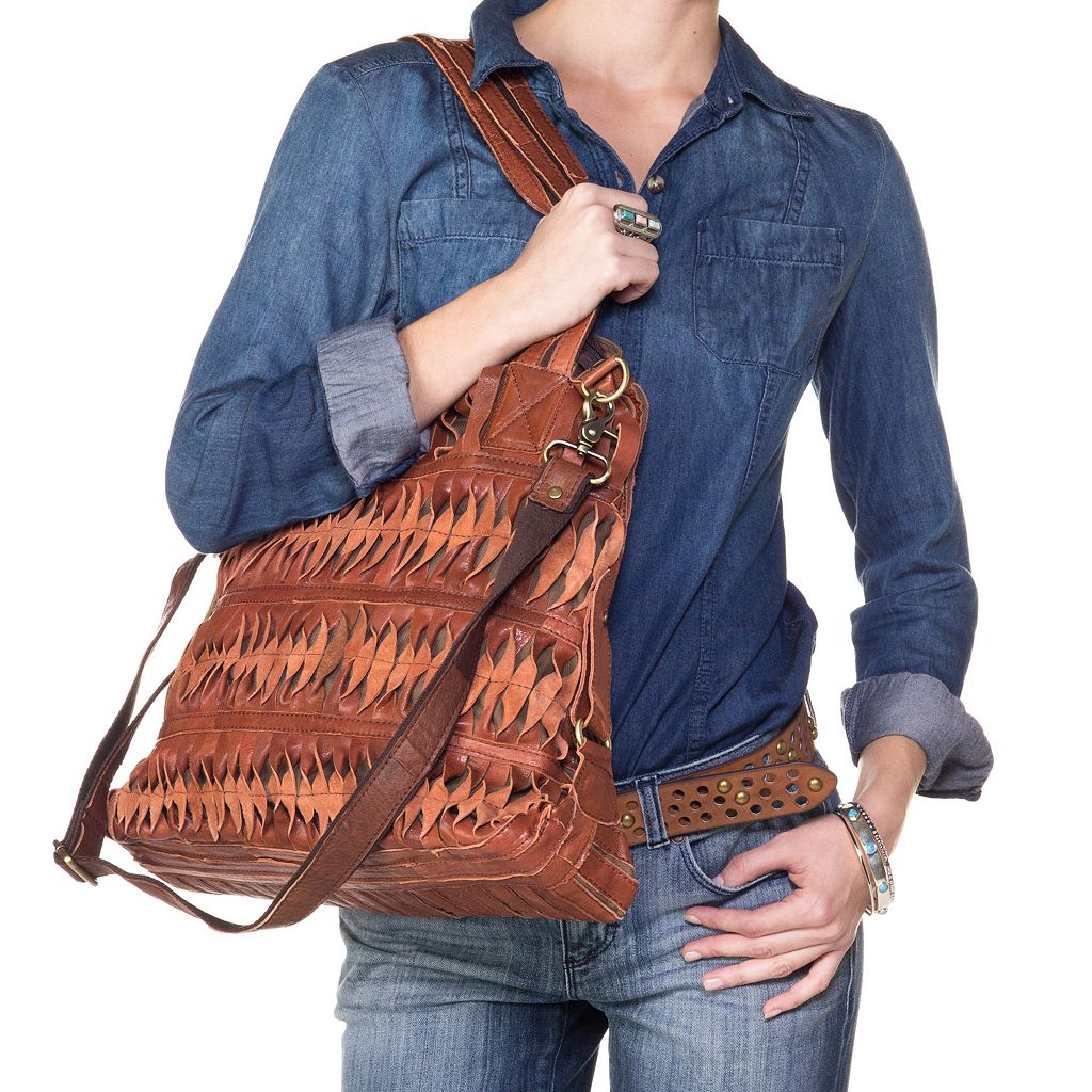 AmeriLeather Oida Twist Leather Convertible Shoulder Bag