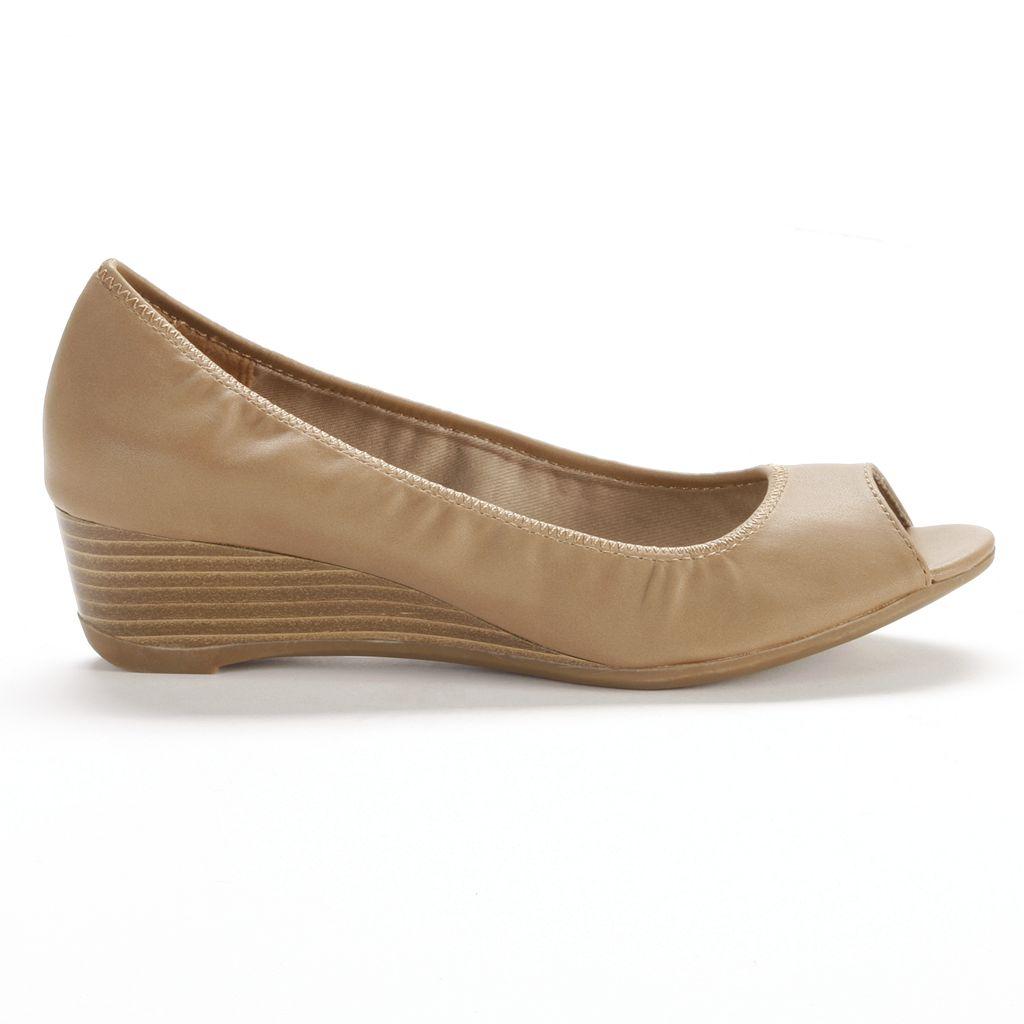 Croft & Barrow® Women's Peep-Toe Wedge Dress Shoes
