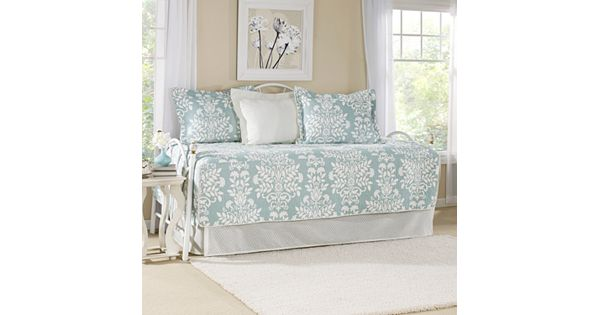 Laura Ashley Lifestyles Rowland 5 Pc Daybed Quilt Set
