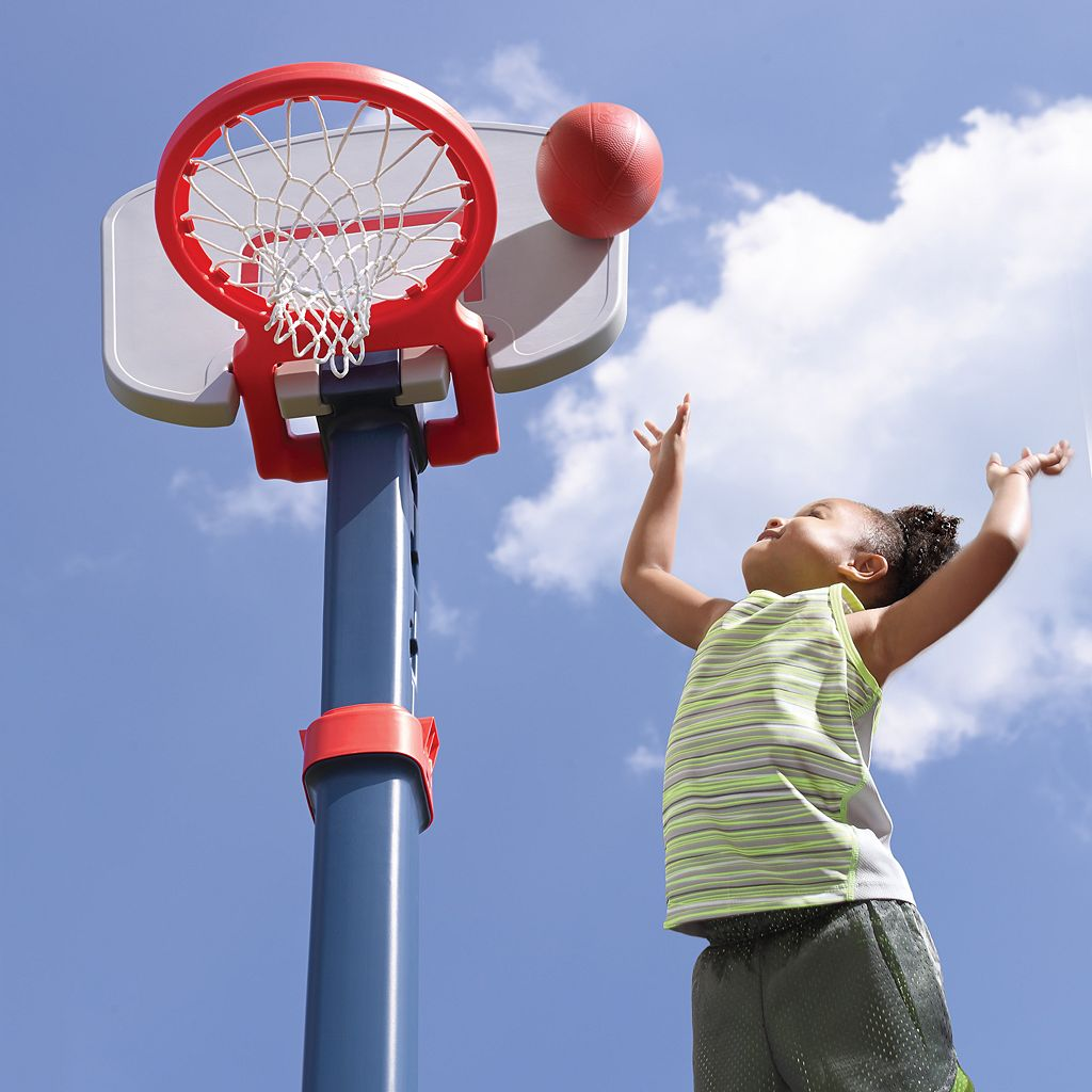 Step2 Shootin' Hoops Pro Basketball Set