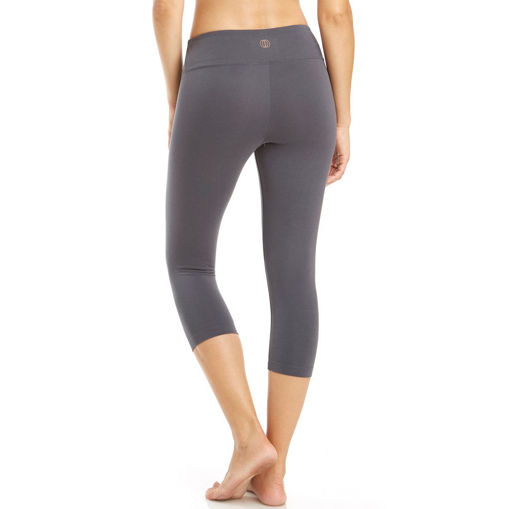 Women's Balance Collection Weekend Dry Wik Capri Yoga Leggings