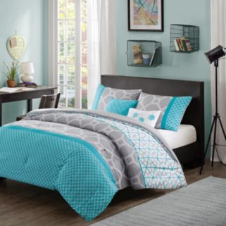 Intelligent Design Zara Reversible Comforter Set