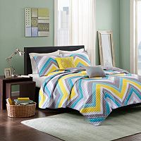 Intelligent Design Ariel Chevron Reversible Quilt Set