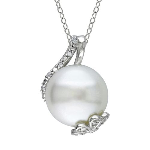 Freshwater Cultured Pearl and 1/10 Carat T.W. Diamond Sterling Silver Pendant Necklace