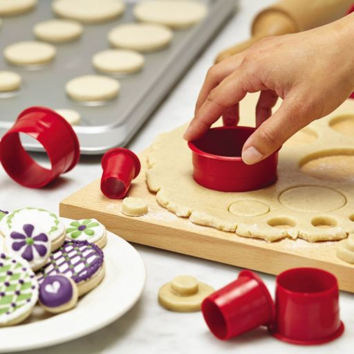 Cake Boss Decorating Tools 9-pc. Nylon Round Fondant and Cookie Cutter Set