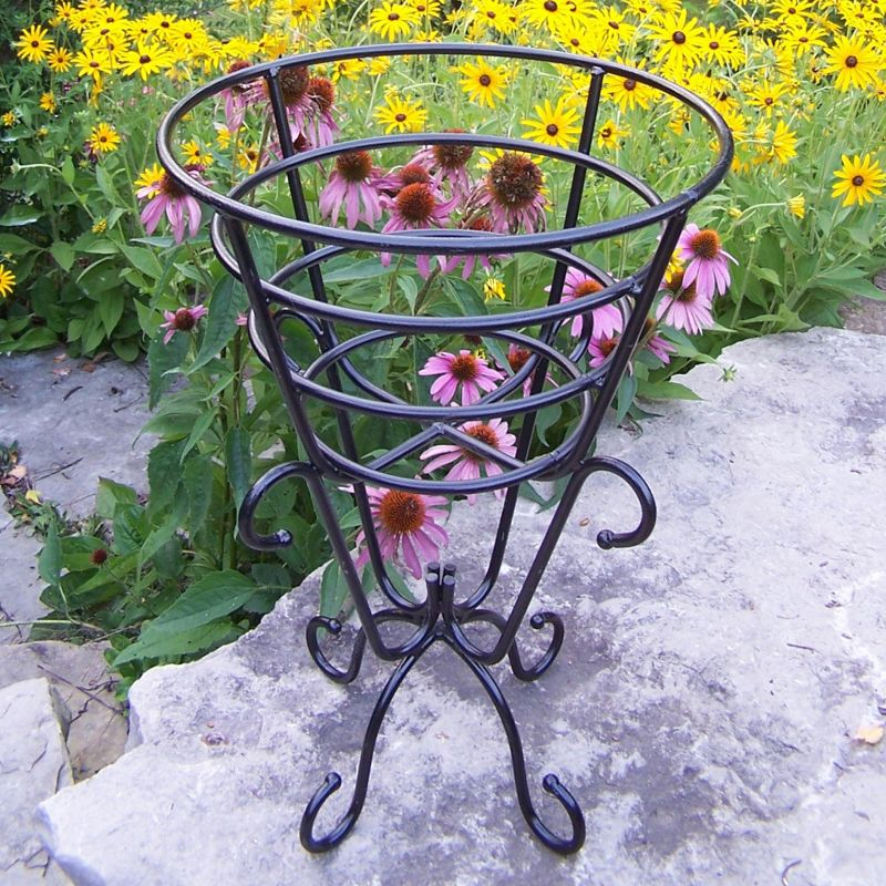 Cup Outdoor Plant Stand, Black