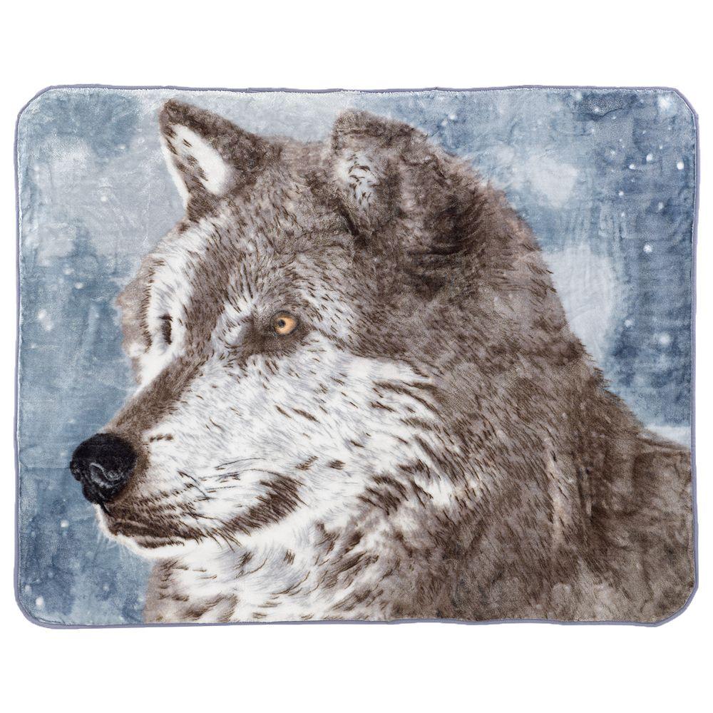 Snowy Wolf Hi Pile Luxury Throw