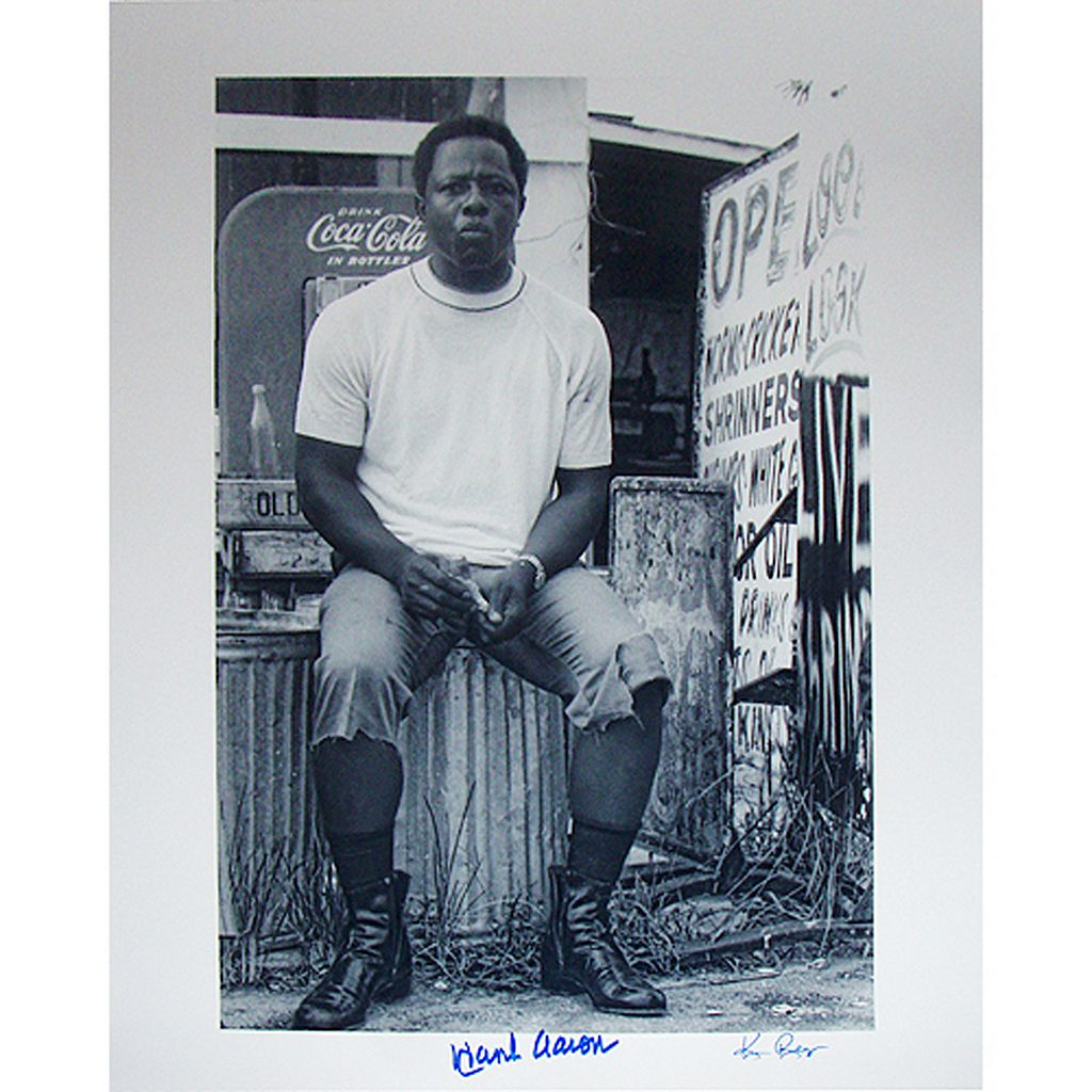 Steiner Sports Hank Aaron Sitting on Garbage Can 16'' x 20'' Signed Photo