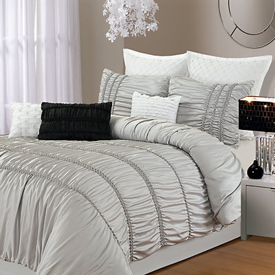 Romantica 9-pc. Bed Set