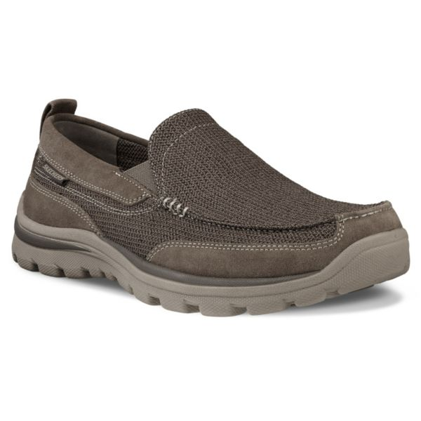Get outdoors in sporty style and all around comfort with these Skechers Relaxed Fit sandals. In brown.