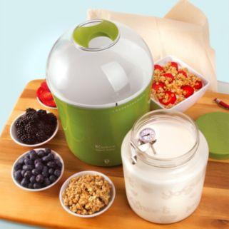 Euro Cuisine Yogurt and Greek Yogurt Maker with 2-qt. Glass Jar
