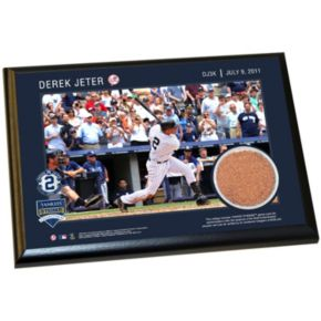 """Steiner Sports New York Yankees Derek Jeter Moments 3,000th Career Hit 4"""" x 6"""" Plaque with Authentic Field Dirt"""