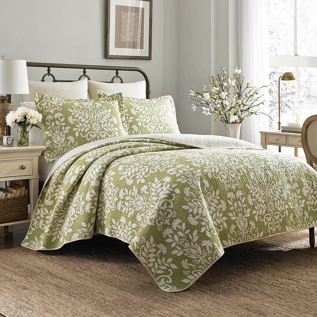 Laura Ashley Lifestyles Rowland Floral Quilt Set