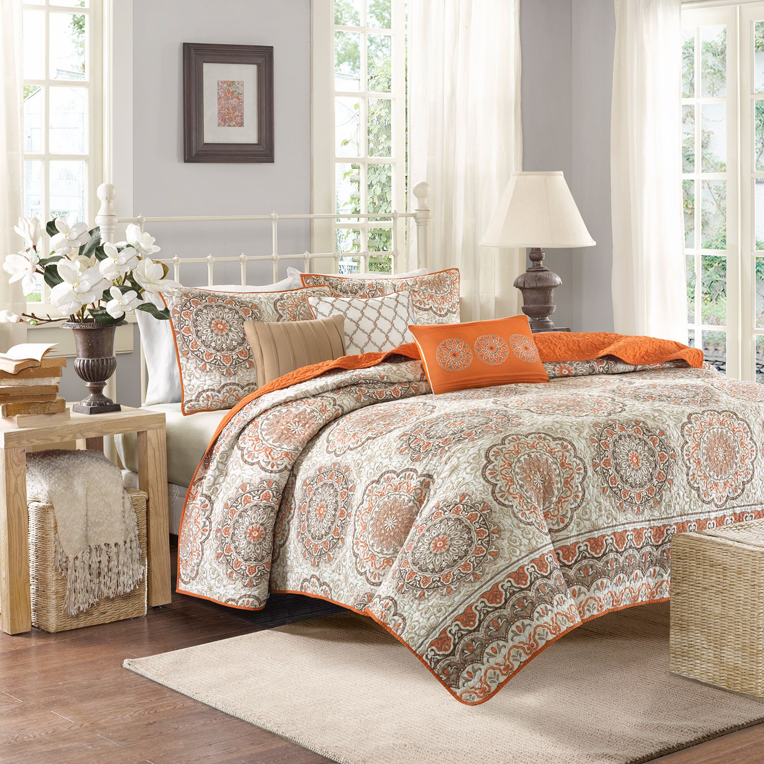 Attractive Madison Park Moraga 6 Pc. Quilt Set. Blue Orange