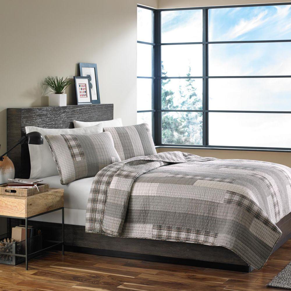 bauer fairview reversible quilt set
