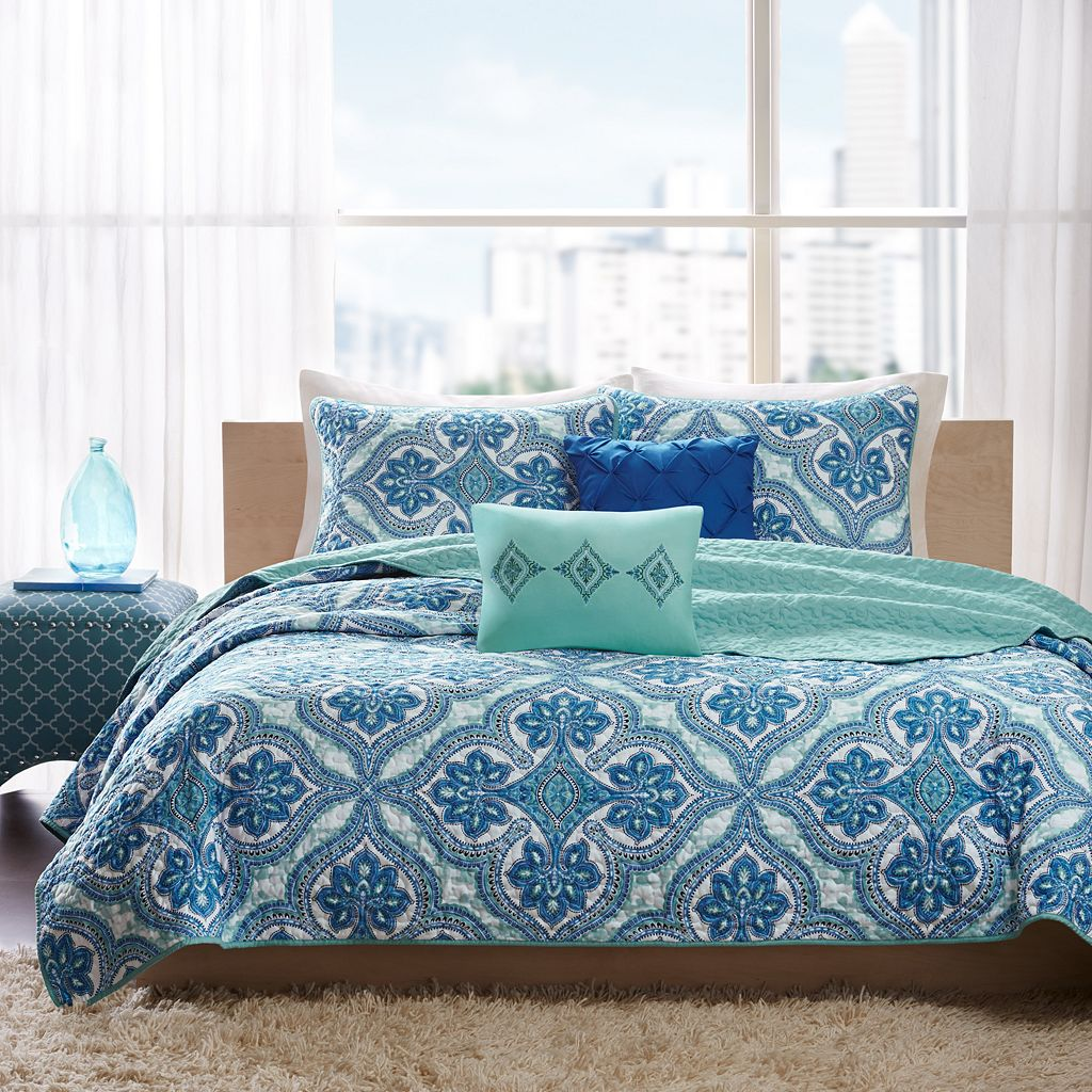 Intelligent Design Lana Reversible Coverlet Set