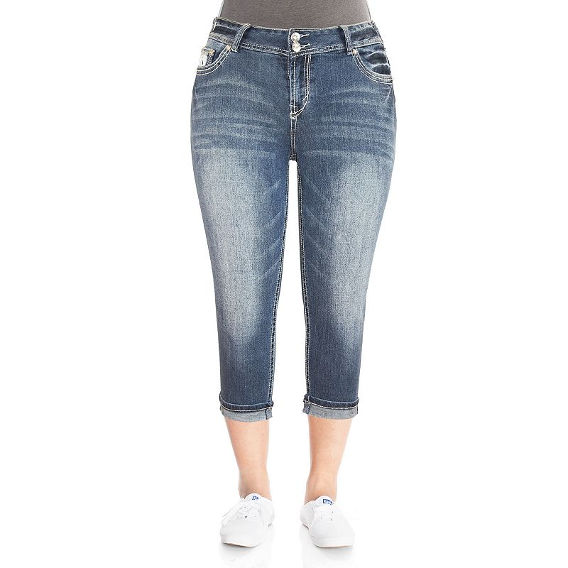 5 Ways to Wear Denim Capri Pants #PlusSize #Fashion