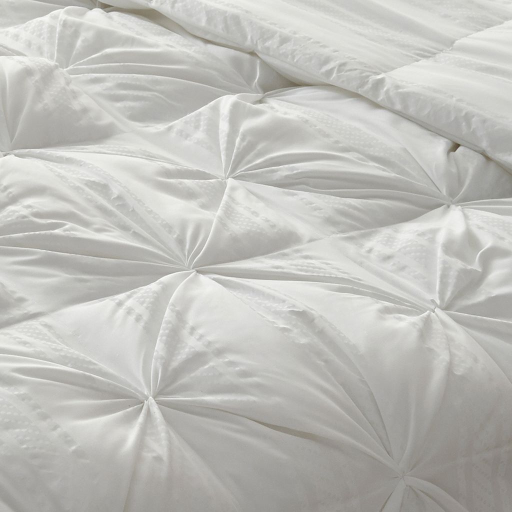 Dream Cloud Boardwalk Stripe Down-Alternative Comforter