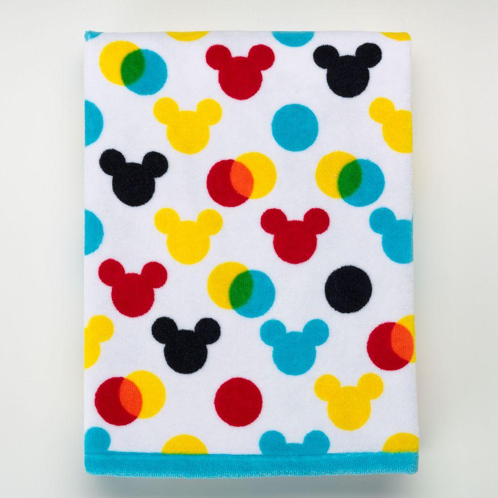Disney S Mickey Mouse Polka Dot Bath Towel By Jumping Beans