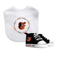 Baby Fanatic Baltimore Orioles Bib and Pre-walker Set