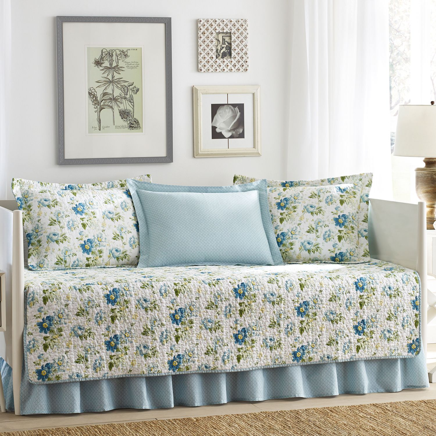 Reversible Peony Garden Daybed Quilt Set