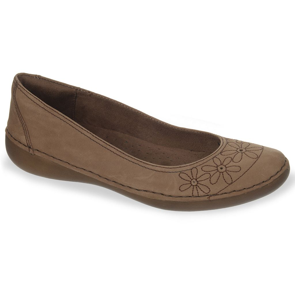 NaturalSoul by naturalizer Juster Women's Floral Flats