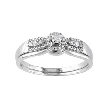 Diamond Halo Engagement Ring Set in 10k White Gold (1/3 Carat T.W.)