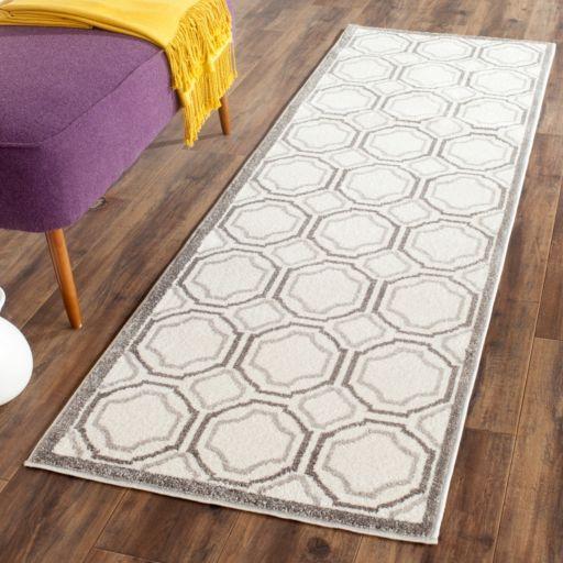 Safavieh Amherst Geometric Indoor Outdoor Rug
