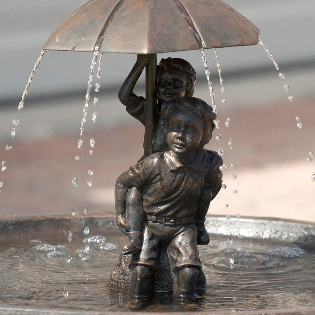 Smart Solar Children Piggyback Umbrella Fountain
