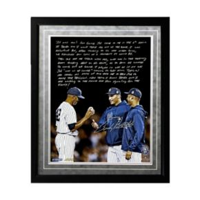 """Steiner Sports New York Yankees Andy Pettitte Taking Out Mo Facsimile 16"""" x 20"""" Framed Metallic Story Photo"""