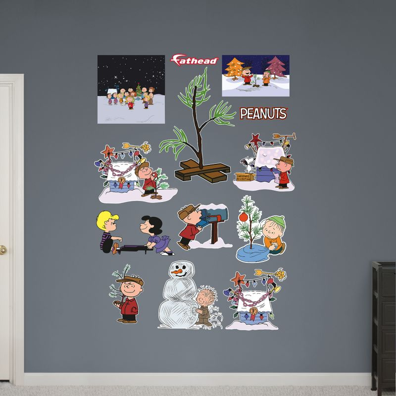 Peanuts Christmas Collection Wall Decals by Fathead (Brown)