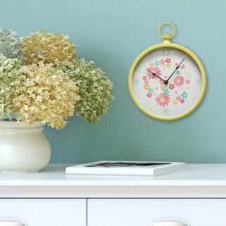 Stratton Home Decor Retro Round Wall Clock