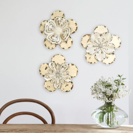 Stratton Home Decor 3-piece Rustic Flower Wall Decor Set