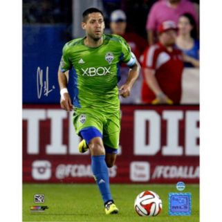 """Steiner Sports Seattle Sounders Clint Dempsey Dribbling Signed 8"""" x 10"""" Photo"""