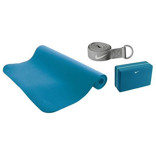 Nike Essential Yoga Kit