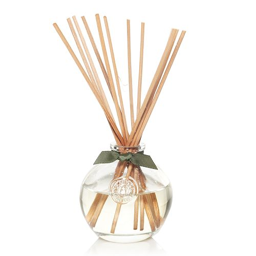 Yankee Candle simply home 14-Piece Winter Pine Potpourri Reed Diffuser Set