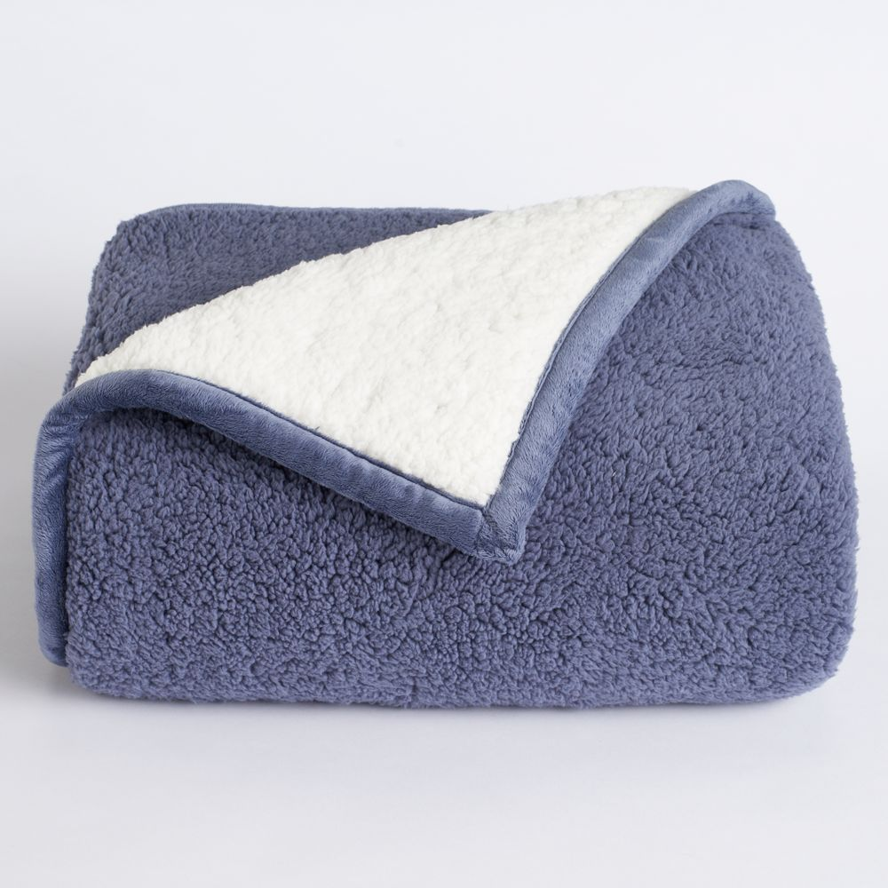 duds premium sherpa fleece throw