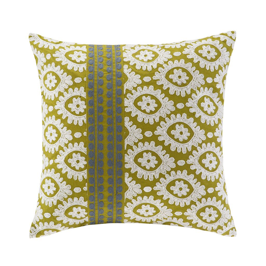 HH Suzanna Medallion Throw Pillow