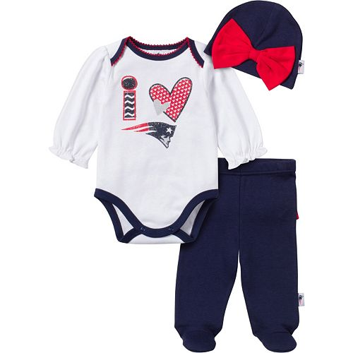 Awesome Patriots Baby Girl Bodysuit Footed Pant /& Cap Set
